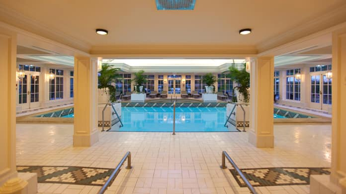 Disneyland hotel paris disney vacation club for Piscine disneyland hotel