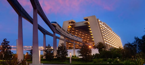 The Walt Disney World Monorail Heading Into S Contemporary Resort Hotel
