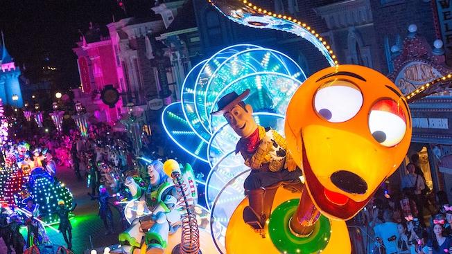 Disney Paint The Night